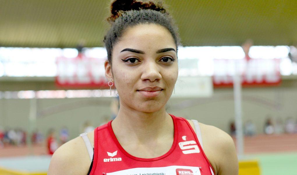 """Samira Attermeyer """"fliegt"""" auf 5,84 Meter"""