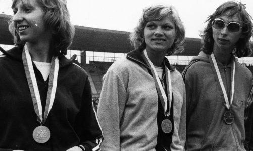 Hund, Yoga und Pilates halten frühere 100m-Weltrekordlerin Inge Helten fit